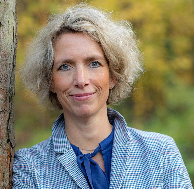 Dr. Silke Oehrlein Karpi